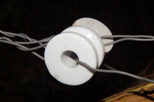 insulator-233683_1920